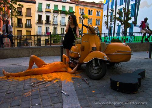 ABAJO IZQUIERDO - Performance - Autorretrato en Lavapies